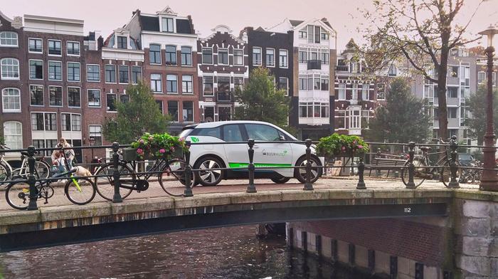 FEHAC: Amsterdam wil in 2030 uitstootvrije voertuigen.......