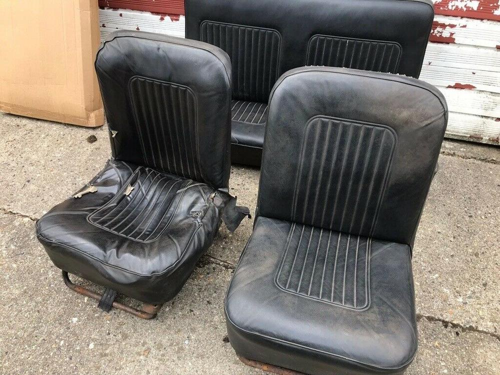 GEZOCHT: Zwarte autostoel Minor